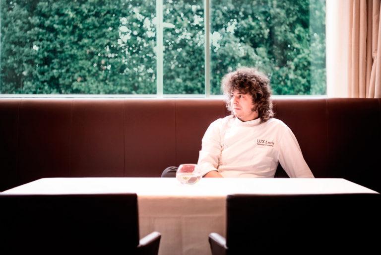 """Valentino Cassanelli, una """"chioma"""" di idee per il giovane chef stellato di Forte dei Marmi"""