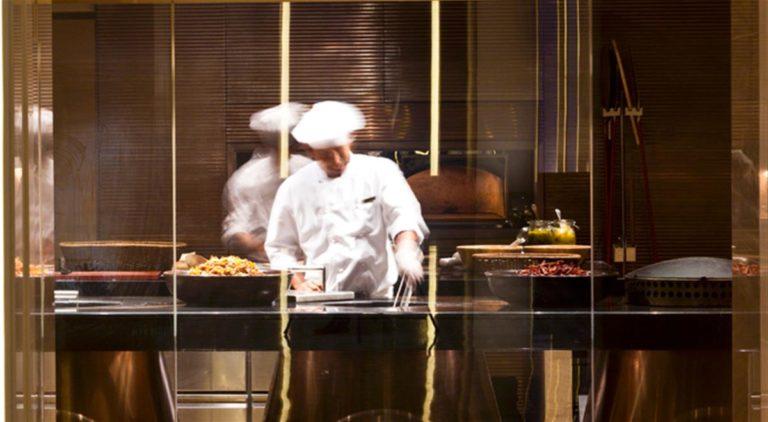 Gli chef italiani che guadagnano di più. Ecco la classifica dei più ricchi d'Italia