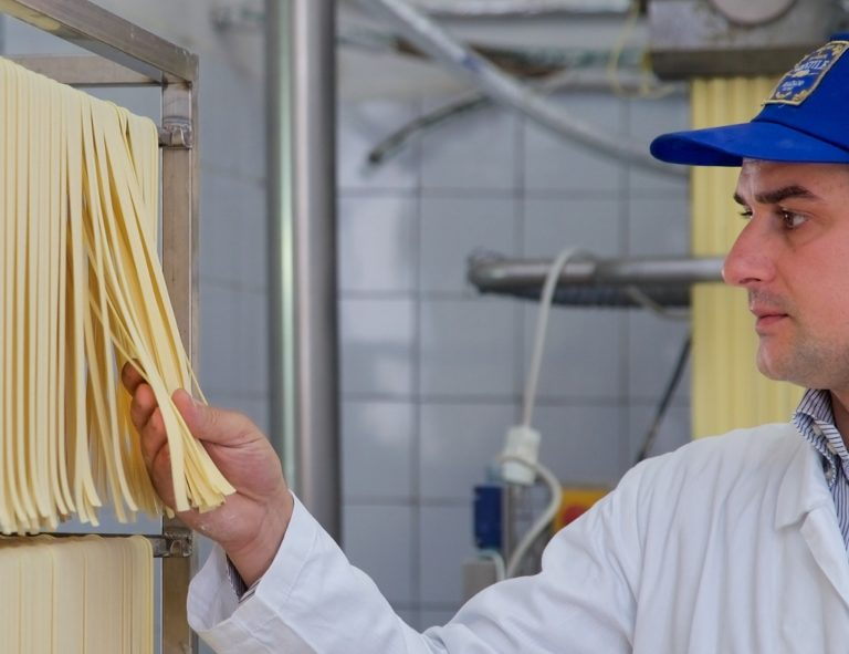 Quando Depardieu visitò il Pastificio Gentile. La migliore pasta di Gragnano ora è su grandichef.com