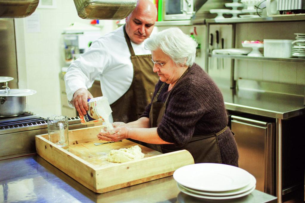 """Pietro Zito e i suoi """"Antichi Sapori"""", quel modo di vivere che è diventata la cucina del suo ristorante in Puglia"""